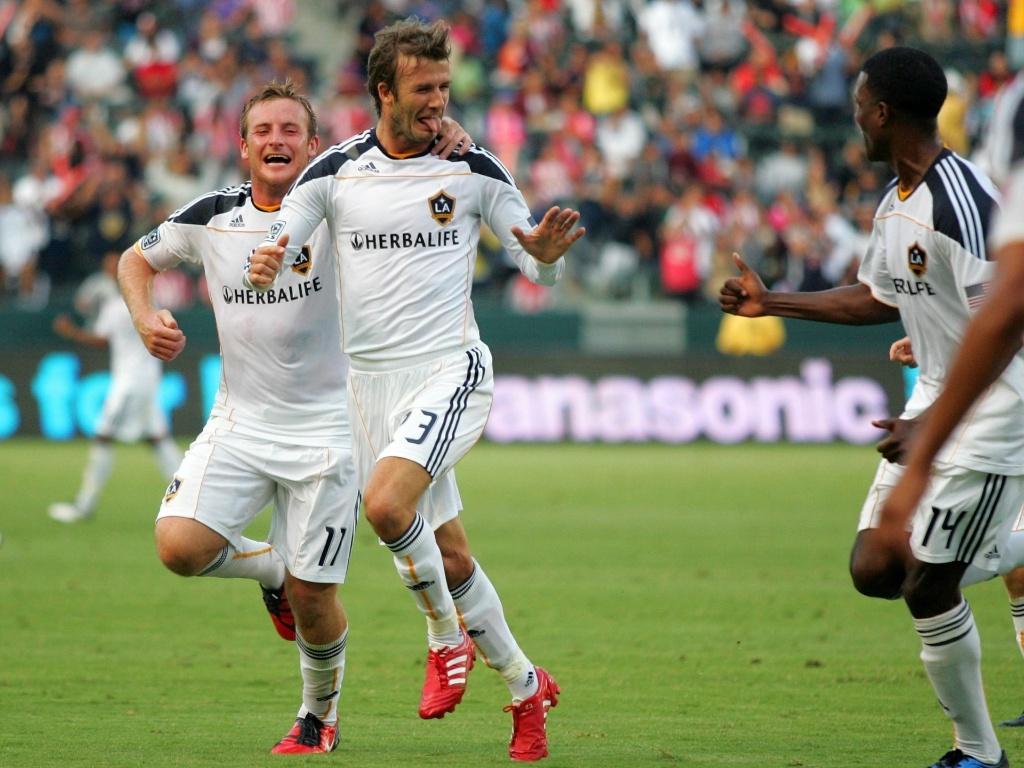 David Beckham comemora gol marcado pelo LA Galaxy contra o Chivas USA