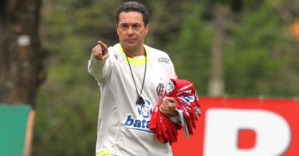 Luxemburgo comanda seu primeiro treino no Flamengo