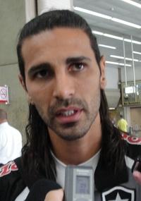 Cruzeiro reconhece interesse em contar com Leandro Guerreiro