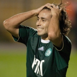 Valdivia reclamou de um incômodo na coxa direita, mas não desfalcará o time alviverde na Bolívia
