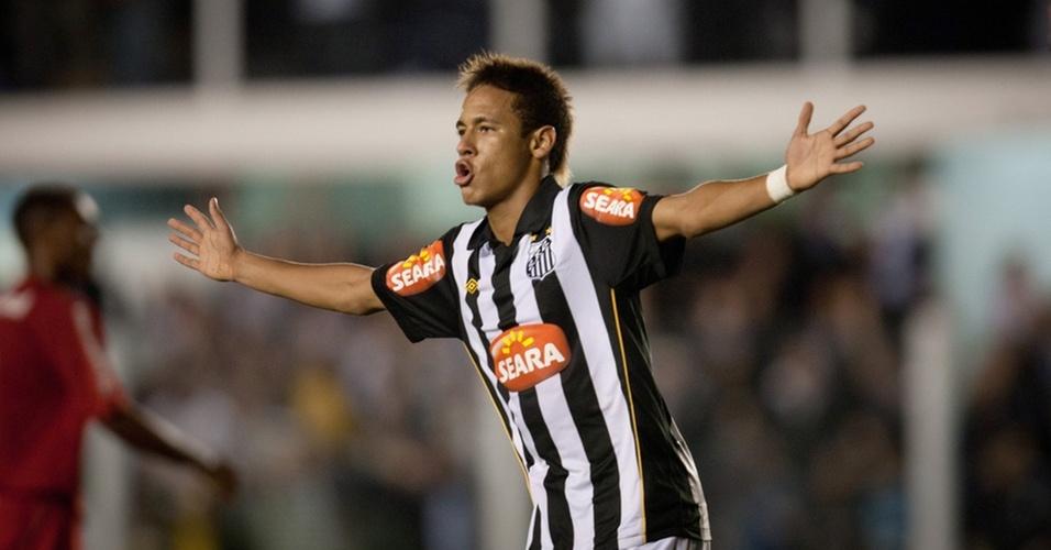 Neymar comemora gol do Santos contra o Inter na Vila Belmiro