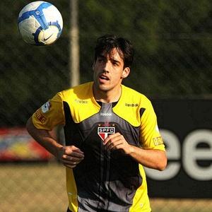 Ilsinho atuou mais tempo entre os titulares e deve ganhar uma chance no  meio contra o 5fd19c66cf04e