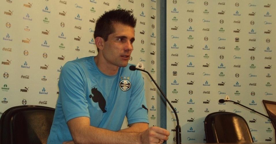 Victor, goleiro do Grêmio, em entrevista coletiva