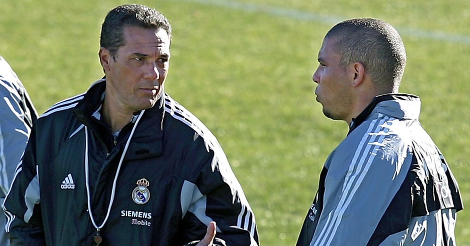 Ronaldo e Vanderlei Luxemburgo no Real Madrid, em 2004