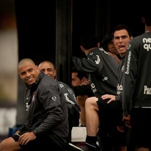 Com Ronaldo, Corinthians somou 66,6% dos pontos, média maior que a do líder Fluminense