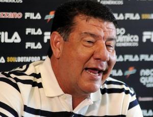 Técnico Joel Santana trabalhou com os principais jogadores do time mineiro  em outros clubes do Rio 6f4972476e87f