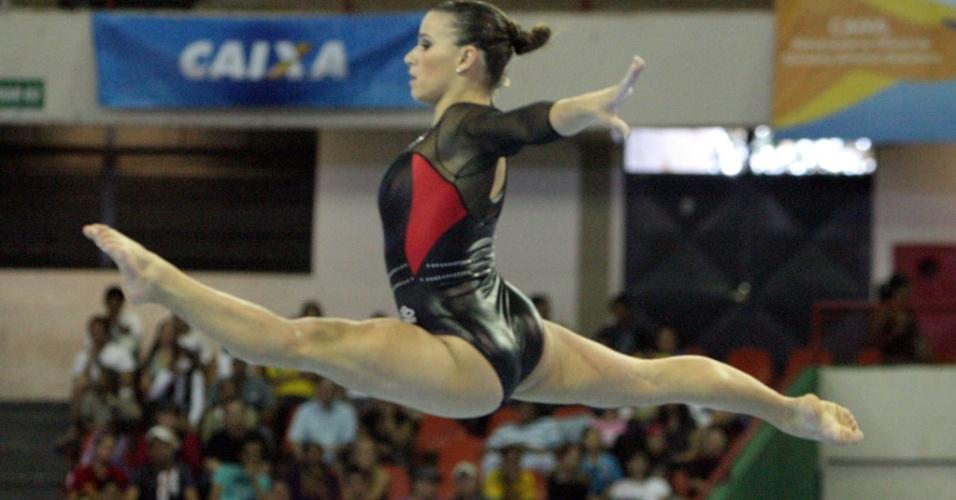 Após quase dois anos, Jade Barbosa está de volta à seleção brasileira de ginástica