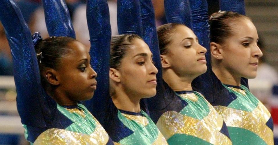 Ginastas brasileiras que disputaram a Olimpíada de Atenas-2004 (da esq. para a dir.): Daiane dos Santos, Daniele Hypolito, Laís Souza e Camila Comin