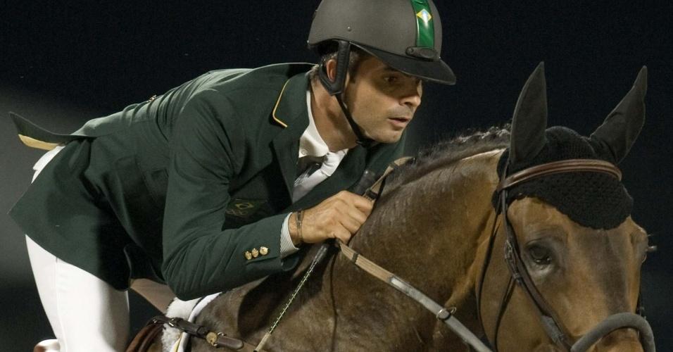 Rodrigo Pessoa vence a primeira prova do Concurso de Saltos do Qatar