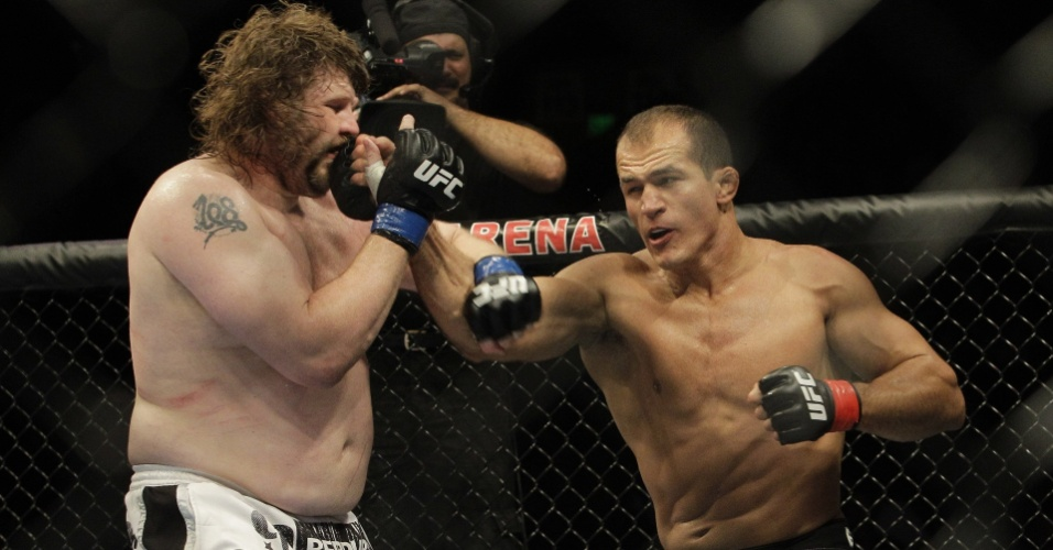 Jnior Cigano vence Roy Nelson no UFC 117