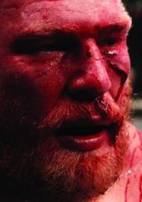 Survivor Series 2015 [22-11-2015] Sangrando-brock-lesnar-se-lamenta-apos-perder-para-cain-velasquez-por-nocaute-tecnico-logo-no-primeiro-round-na-disputa-pelo-titulo-de-pesos-pesados-no-ufc-121-1288390979408_200x285