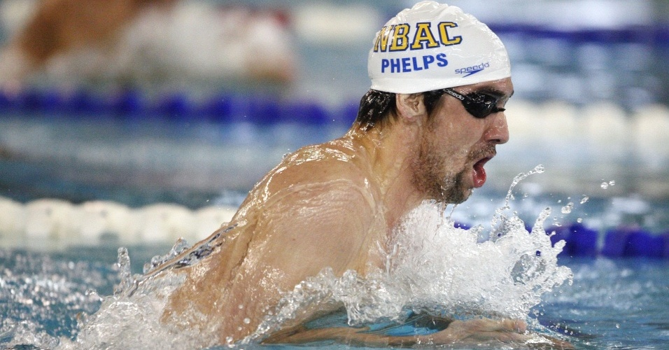 Michael Phelps estreia na temporada 2010 com dois ouros no GP de Long Beach