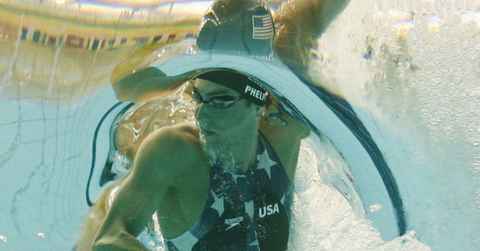 Phelps compete na prova do revezamento 4x200m livre em Pequim 2008