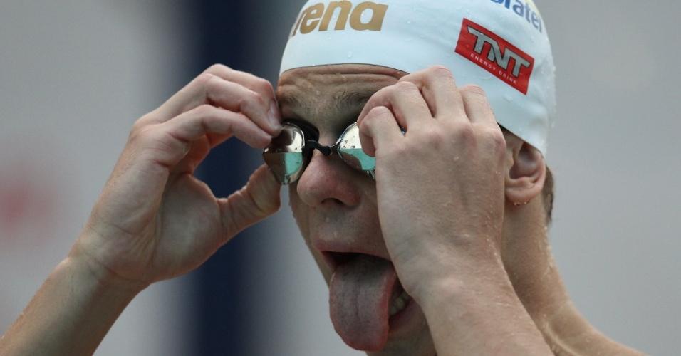 César Cielo se prepara para nadar a eliminatória dos 50 m livre no Troféu Maria Lenk em Santos