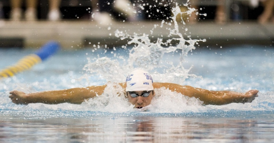 Michael Phelps disputa a final dos 100 m borboleta no GP de Charlotte