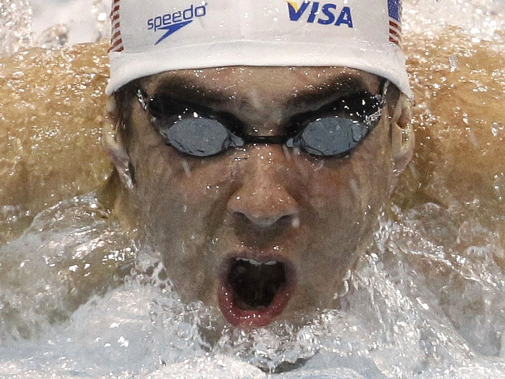 Michael Phelps ganha dois ouros no primeiro dia do GP de Charlotte, nos EUA