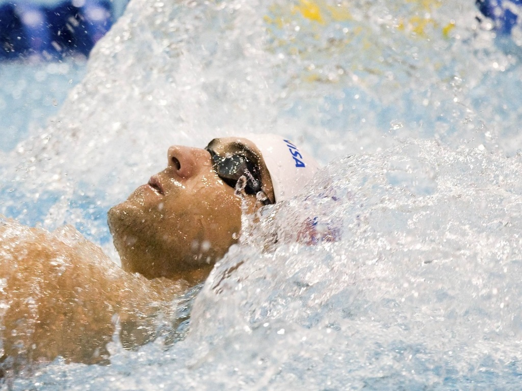Michael Phelps foi o segundo colocado nos 100m costas, no GP de Charlotte