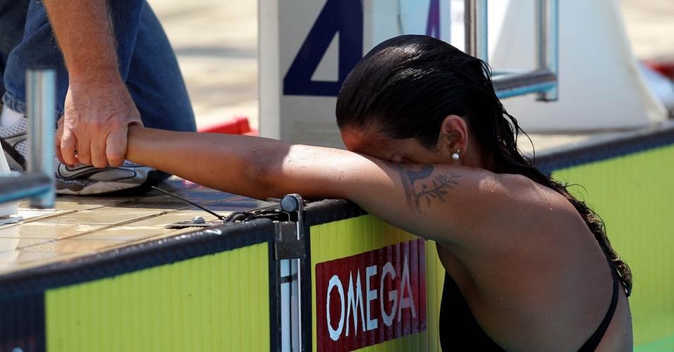 Joanna Maranhão queimou a largada e sentiu o ombro