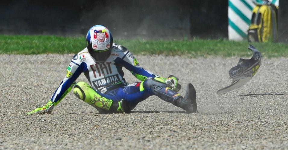 Valentino Rossi sofre queda em Mugello (Itália) e quebra a perna direita