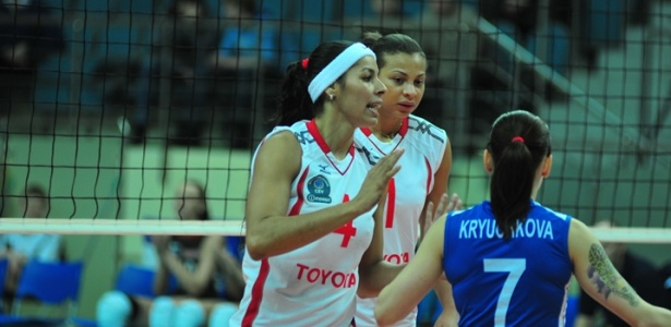http://e.i.uol.com.br/esporte/volei/2010/05/08/paula-pequeno-e-walewska-decidem-o-campeonato-russo-1273371300891_615x300.jpg