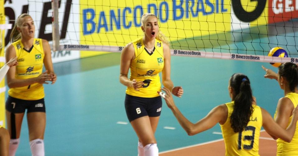 Thaísa comemora ponto do Brasil