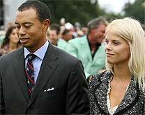 Tiger Woods A Panhado Da Mulher Eli Durante Dis Da Ryder Cup Em