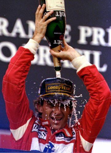 Piloto comemora triunfo de 1993 na pista de Interlagos