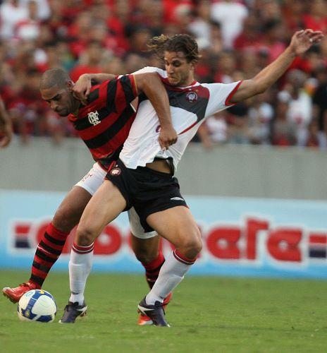 Com a camisa 29, centroavante compensou a falta de ritmo com muita vontade. Time carioca venceu por 2 a 1 a partida.
