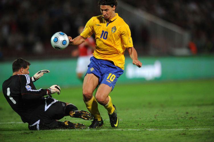 Futebol na europa neste s bado fotos uol esporte for Villas isza