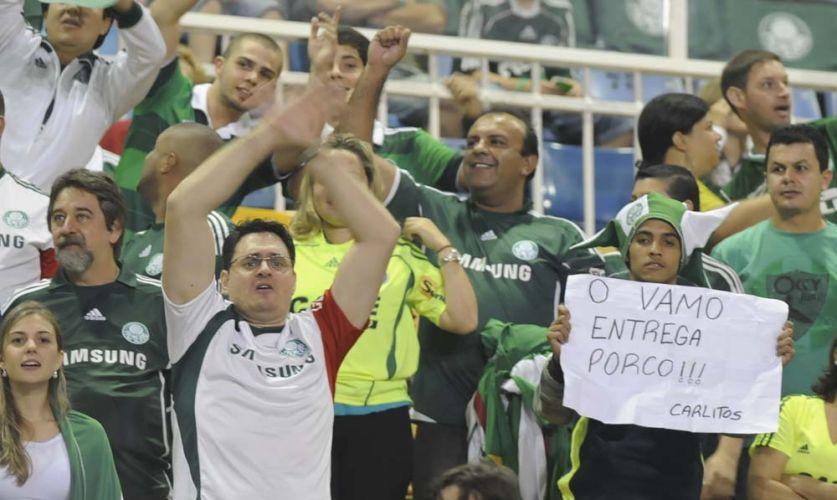 Torcida palmeirense comparece em bom número ao Pacaembu para acompanhar Palmeiras e Goiás pela partida de volta da semifinal da Sul-Americana