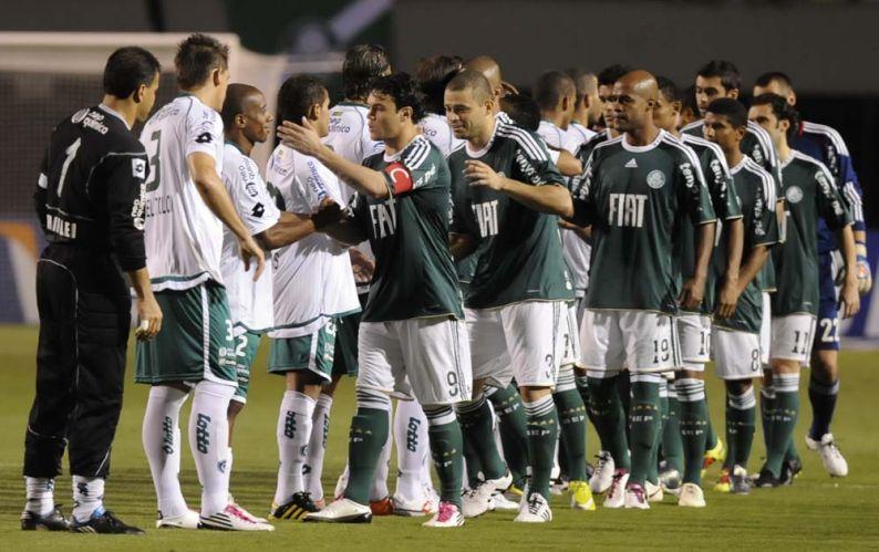 Com a vantagem do empate após vencer o jogo de ida por 1 a 0, o Palmeiras saiu na frente, mas levou a virada do Goiás e está eliminado da Copa Sul-Americana