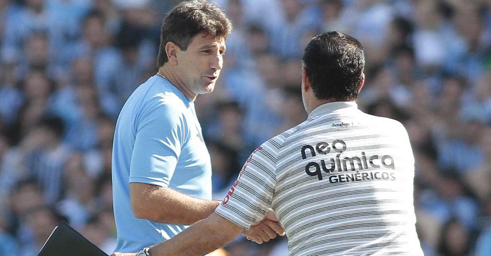 Renato Gaúcho cumprimenta Joel Santana antes do duelo decisivo entre Grêmio e Botafogo