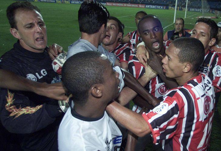 Porém, o São Paulo não levou o título, perdendo a final para o Corinthians. Tinha início a fama de falhar em finais...