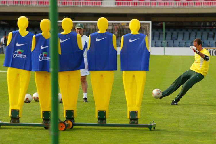 Ainda em 2002, Rogério Ceni foi convocado por Luiz Felipe Scolari para a Copa do Mundo