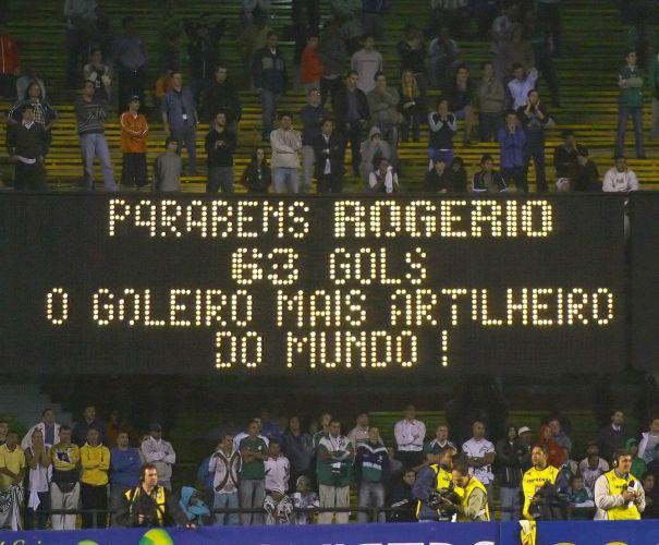 Em 2006, ele tornou-se o goleiro com mais gols marcados na história do futebol