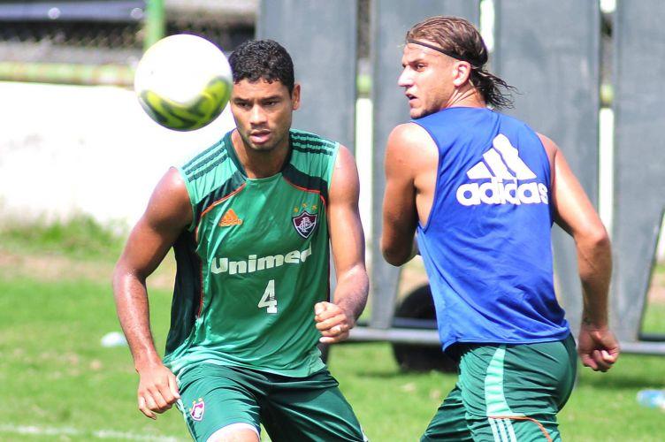 Rafael Moura (d) foi bastante elogiado por Fred, que volta ao time do Fluminense mas não jogará durante os 90 minutos diante do Boavista, neste sábado