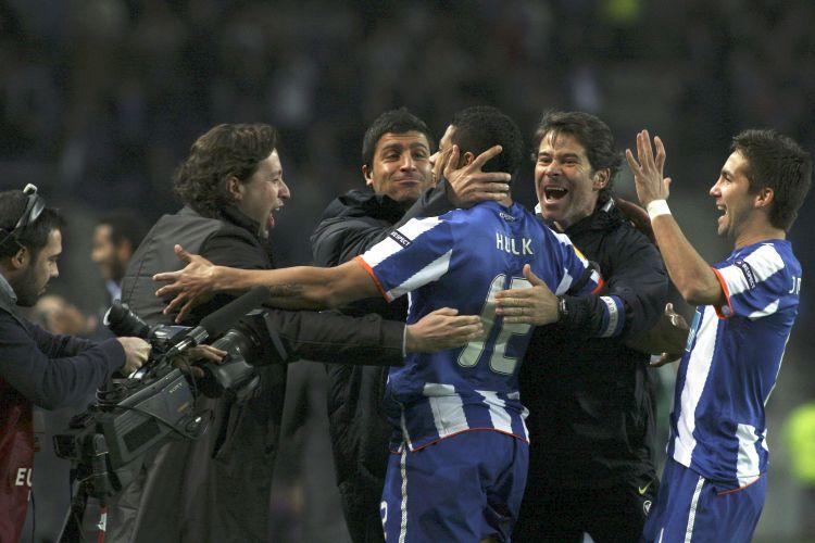 Brasileiro Hulk abriu o placar para o Porto logo no primeiro minuto do jogo diante do CSKA, pelas oitavas de final da Liga Europa. Portugueses venceram por 2 a 1 e avançaram às quartas da Liga Europa