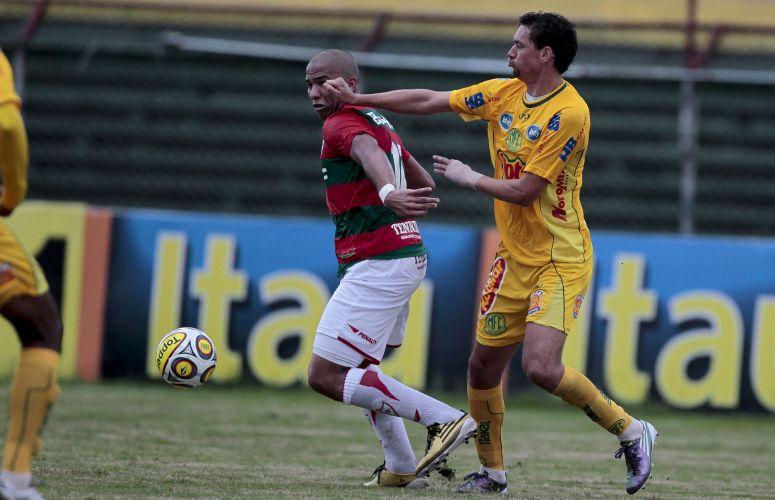 Portuguesa sofreu com a dura marcação do Mirassol, mas goleou por 4 a 1 em casa