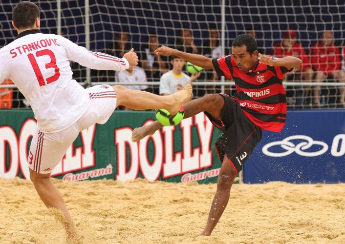 Flamengo derrota Milan na estreia por 3 a 2, no Mundialito de futebol de areia