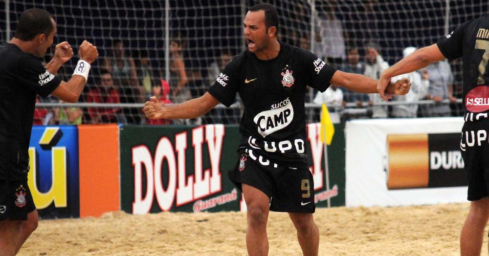 A rivalidade esteve presente no clássico entre Corinthians e Santos. Em jogo equilibrado e com expulsões, a equipe da Capital paulista venceu nos pênaltis por 1 a 0, após empate por 7 a 7 no tempo normal e por 1 a 1 na prorrogação