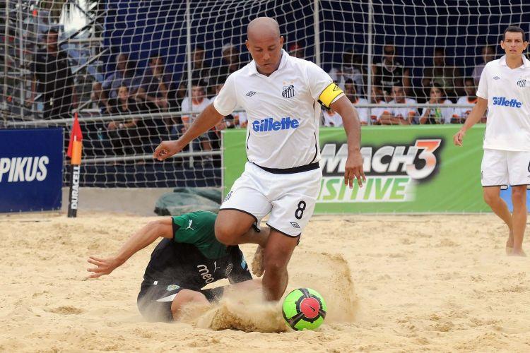 Santos sofre goleada por 5 a 0 do Sporting e é o primeiro time brasileiro eliminado no Mundialito de futebol de areia em São Paulo