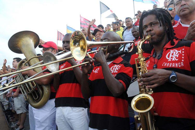 Torcida do Flamengo fez barulho para o time, que venceu o Vasco