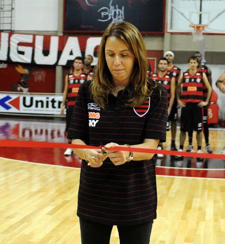 Presidente do Flamengo Patrícia Amorim reinaugura o ginásio da Gávea antes do jogo contra o Uberlândia