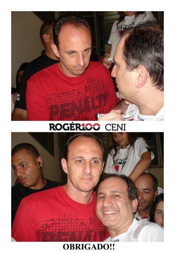 Alex Joacy Ozelin conseguiu um autógrafo de Rogério Ceni no dia de seu aniversário: