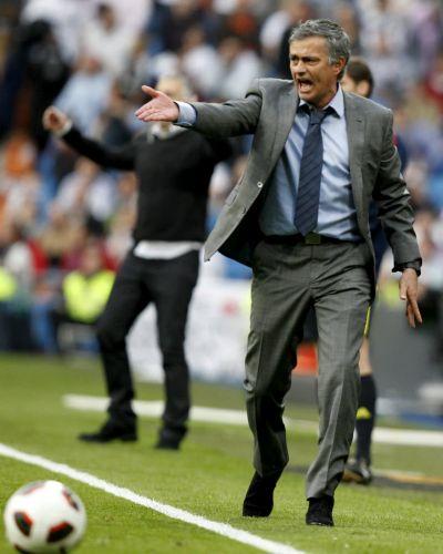 José Mourinho viu seu Real Madrid decepcionar diante da torcida madridista...