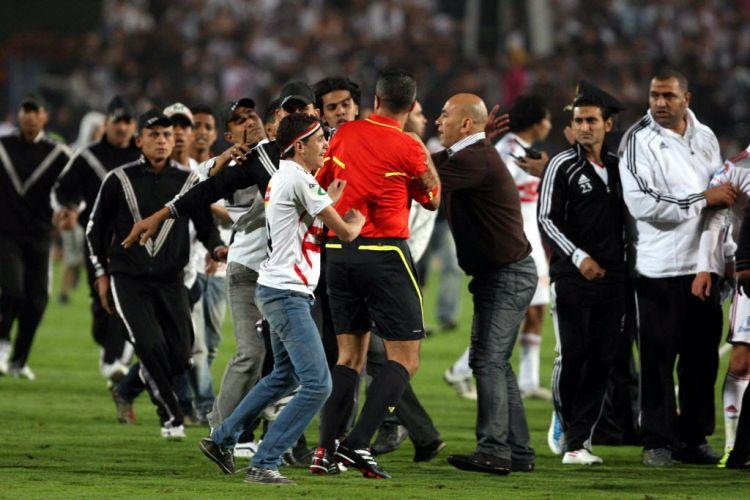 O árbitro cancelou a partida imediatamente