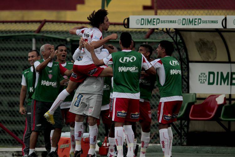 Diego abre o placar para o Noroeste contra a Portuguesa. Equipe de Bauru venceu por 2 a 0 no Canindé, na capital paulista, pela 17ª rodada do Paulista
