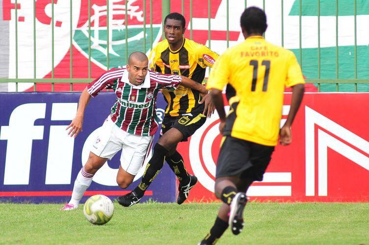 Emerson fez o segundo gol e ampliou a vantagem para o Fluminense no duelo diante do Volta Redonda, no Raulino de Oliveira, pela sexta rodada da Taça Rio. Time tricolor venceu por 2 a 1