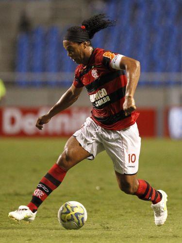 O Flamengo conta com Ronaldinho para buscar a vitória e melhorar a colocação da equipe na Taça Rio. Time de Luxemburgo empatou três vezes seguidas no segundo turno