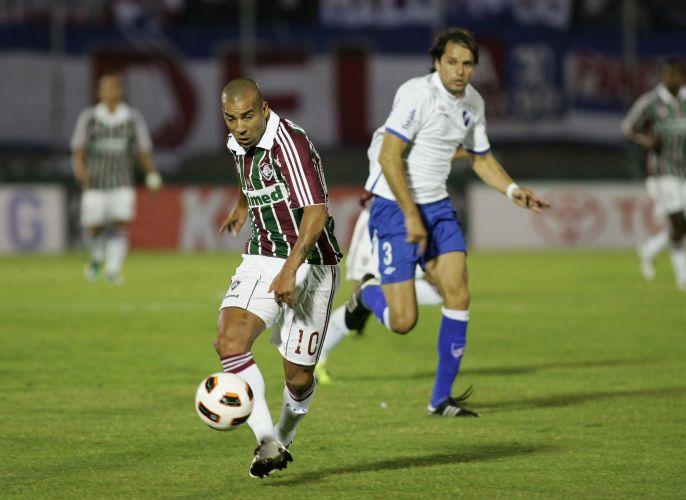 Émerson arma ataque do Fluminense no duelo contra o Nacional